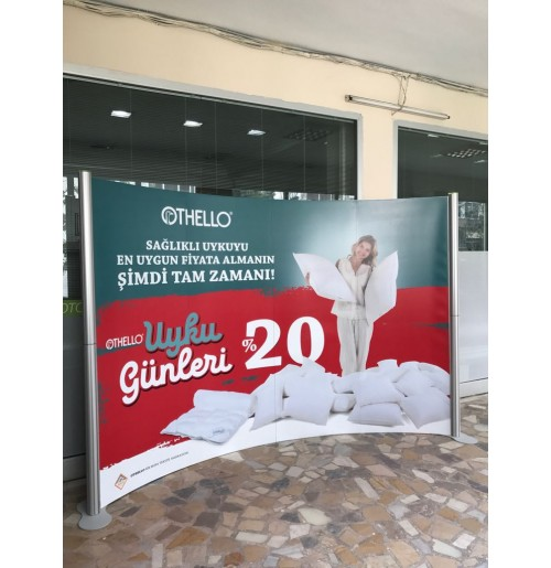 centro-stand-oval-4-panel